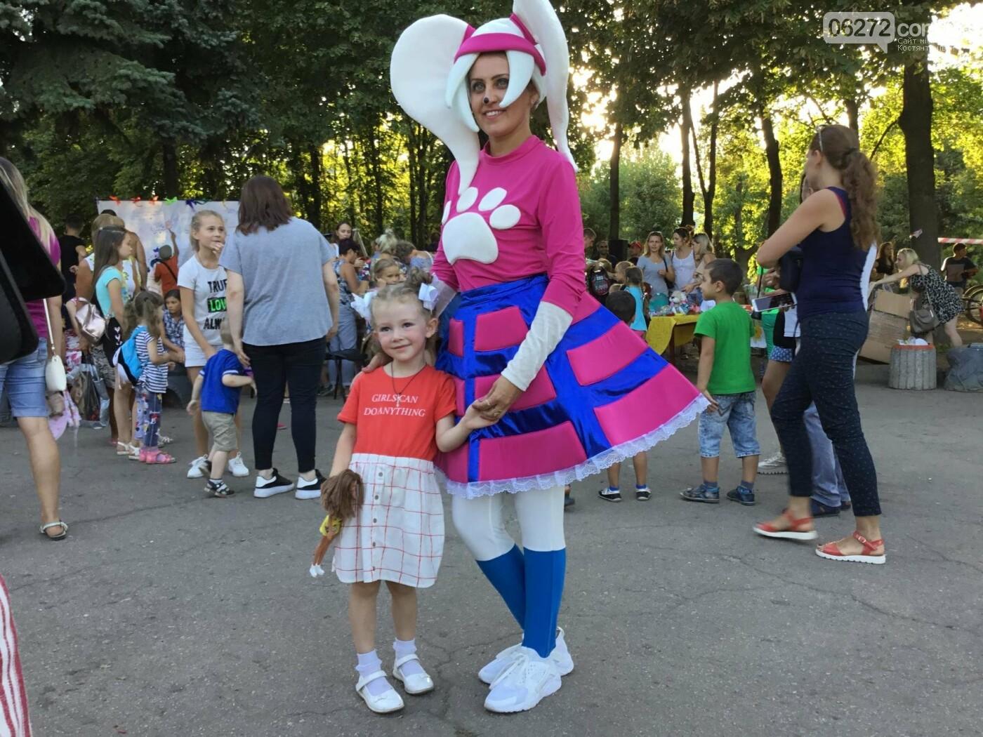 Вчера в Константиновке состоялся благотворительный праздник для детей (видео), фото-7