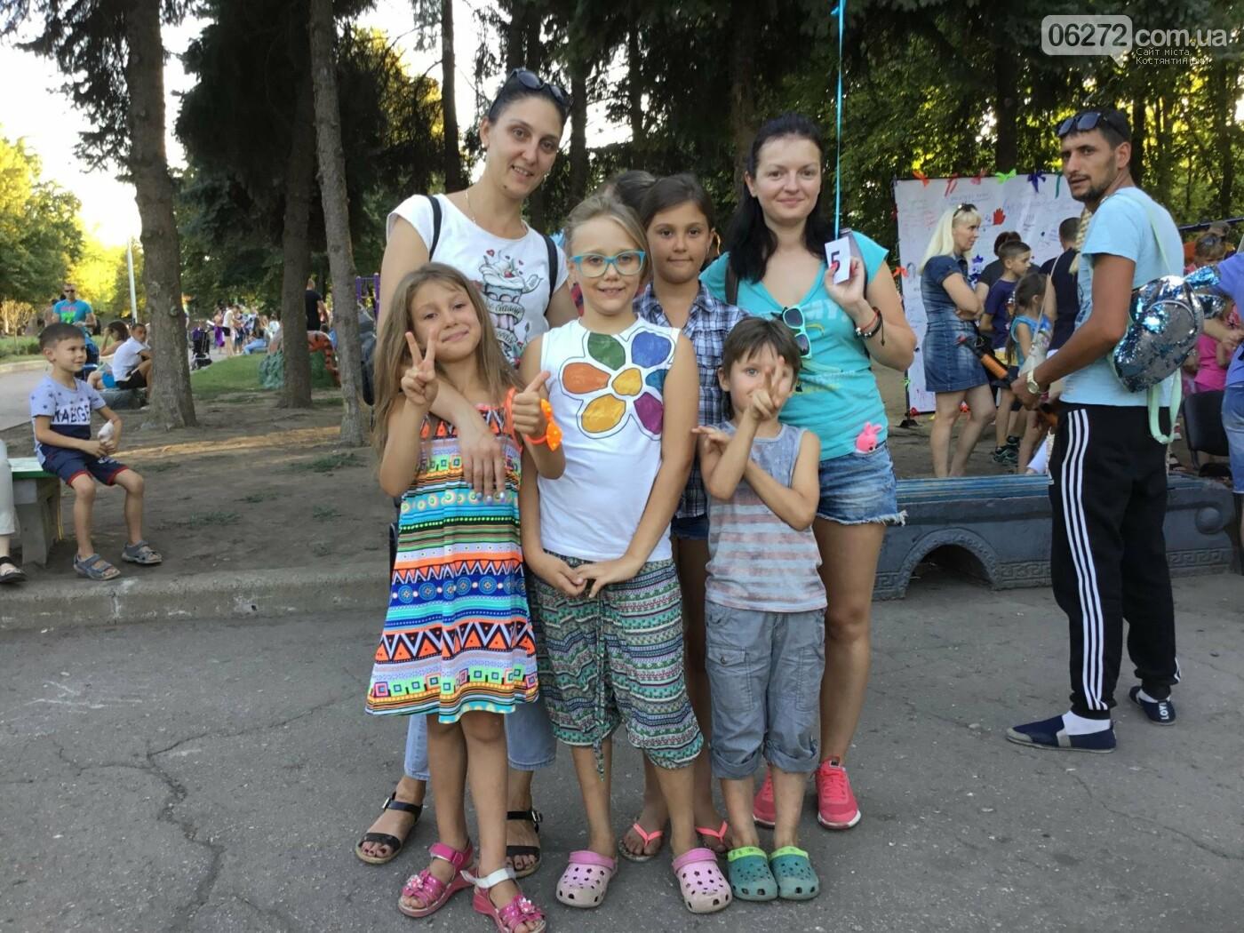Вчера в Константиновке состоялся благотворительный праздник для детей (видео), фото-9