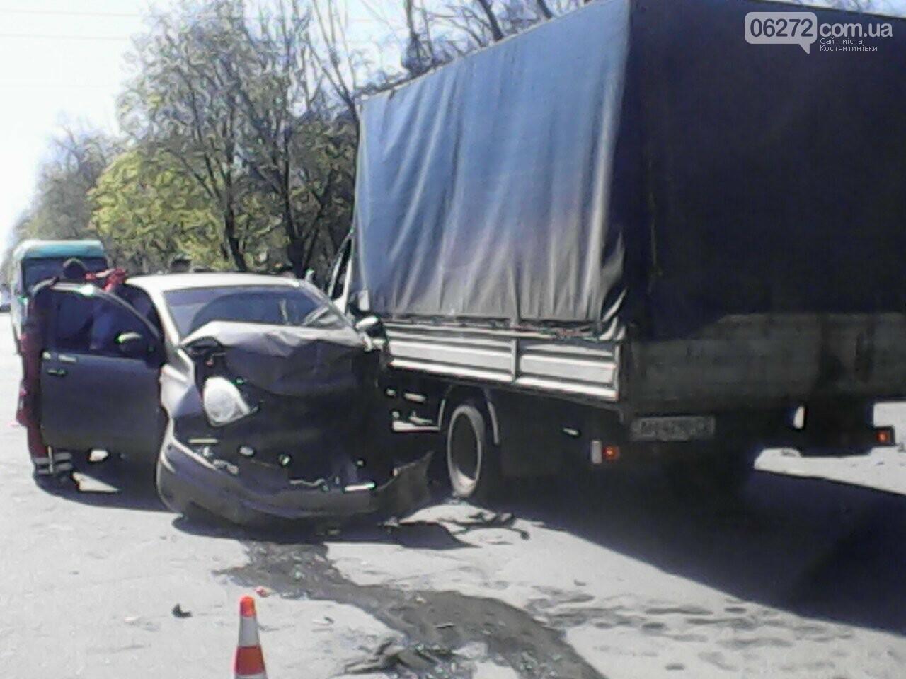 В Константиновке в результате ДТП пострадали трое человек, фото-1