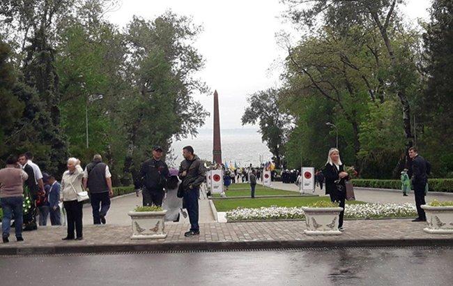 Бессмертный полк, запрещенная символика и ружье. Как прошло 9 мая в Украине, фото-5