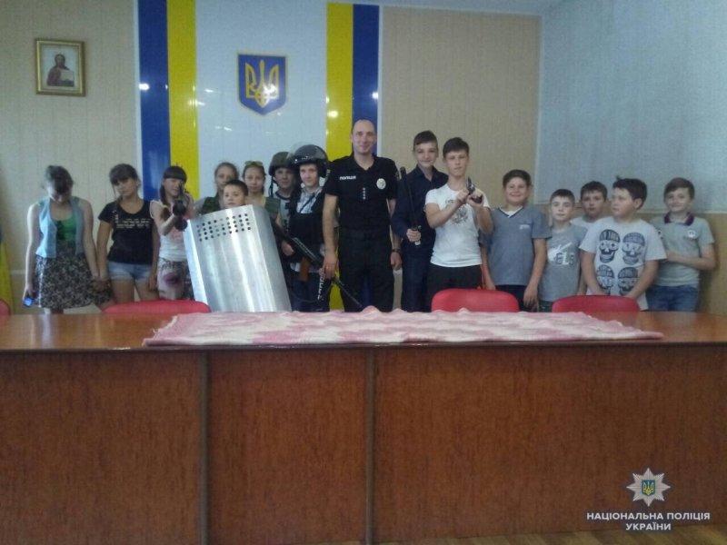 Школярі Костянтинівки побували у місцевому відділенні поліції, фото-4