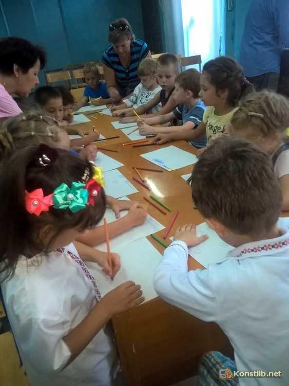 У Костянтинівській бібліотеці пройшла акція «Ми хочемо миру в нашій країні!», фото-1