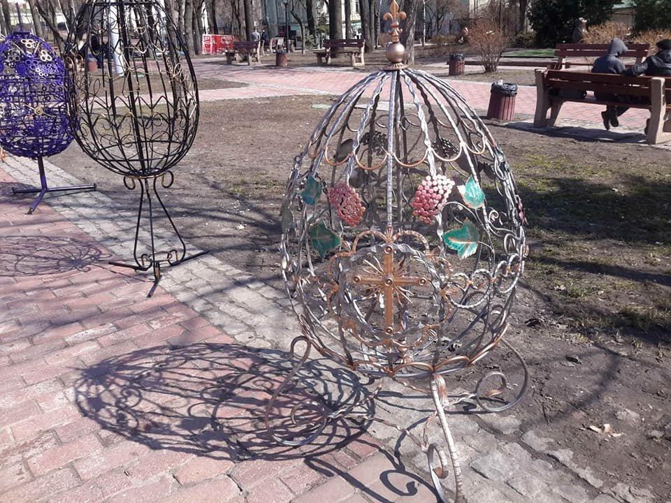 Студенти Донецької області створили метрові металеві писанки, фото-3