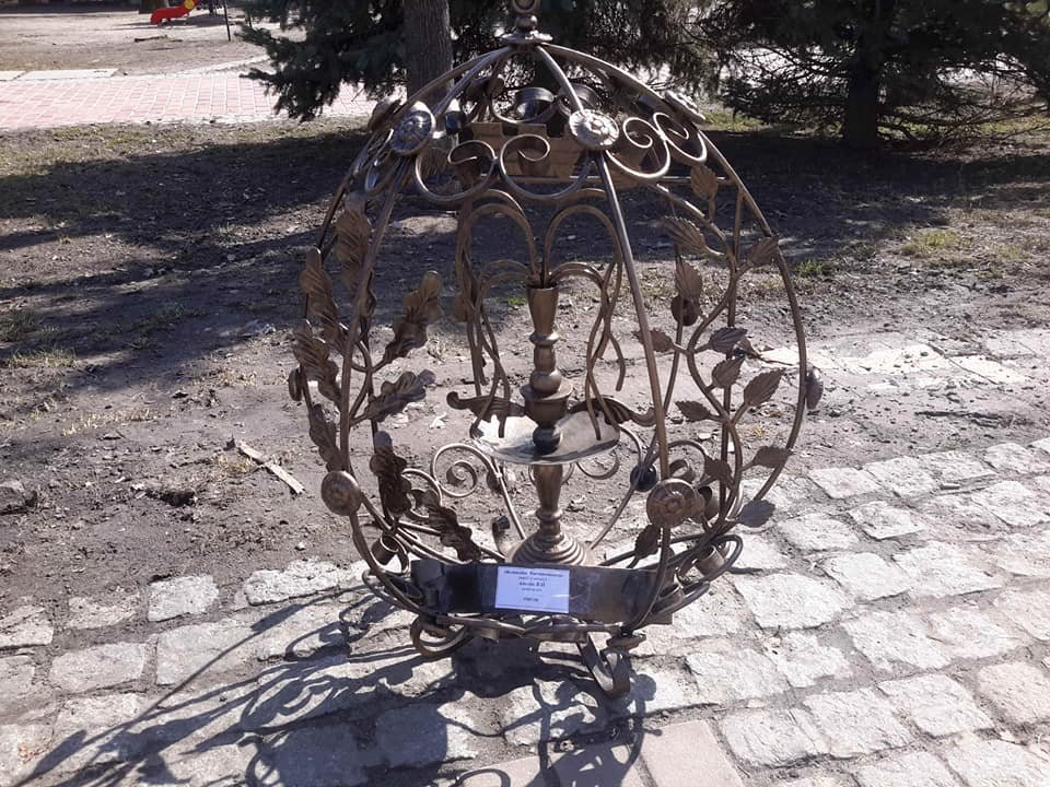 Студенти Донецької області створили метрові металеві писанки, фото-4