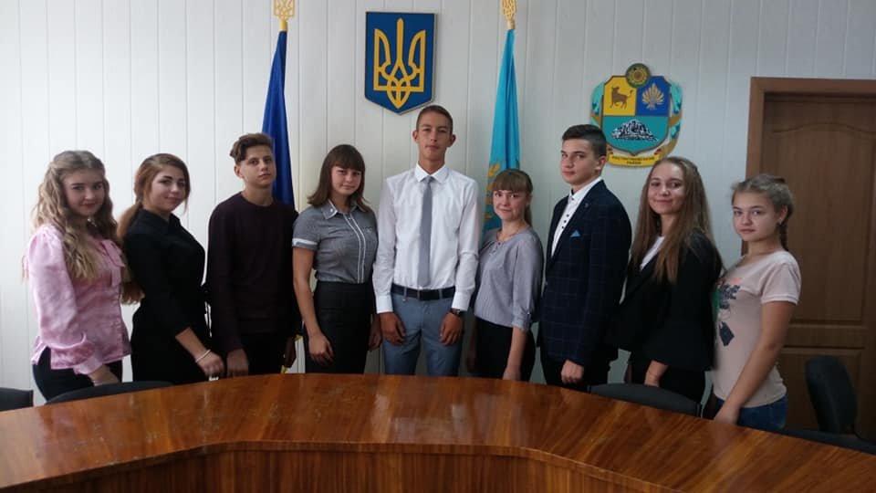 У «Школі лідерів» Костянтинівського району обрали новий склад ради школярів , фото-1