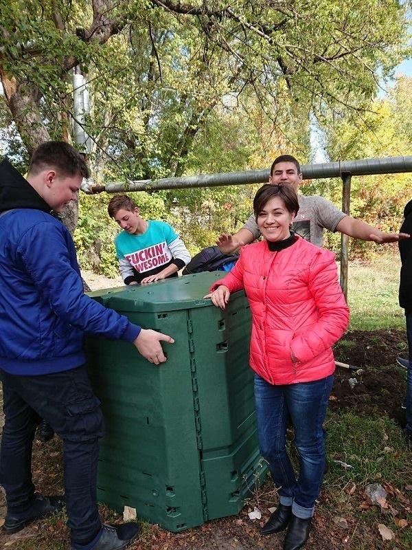 На шкільний ділянці Костянтинівського ліцею встановили компостер, фото-3