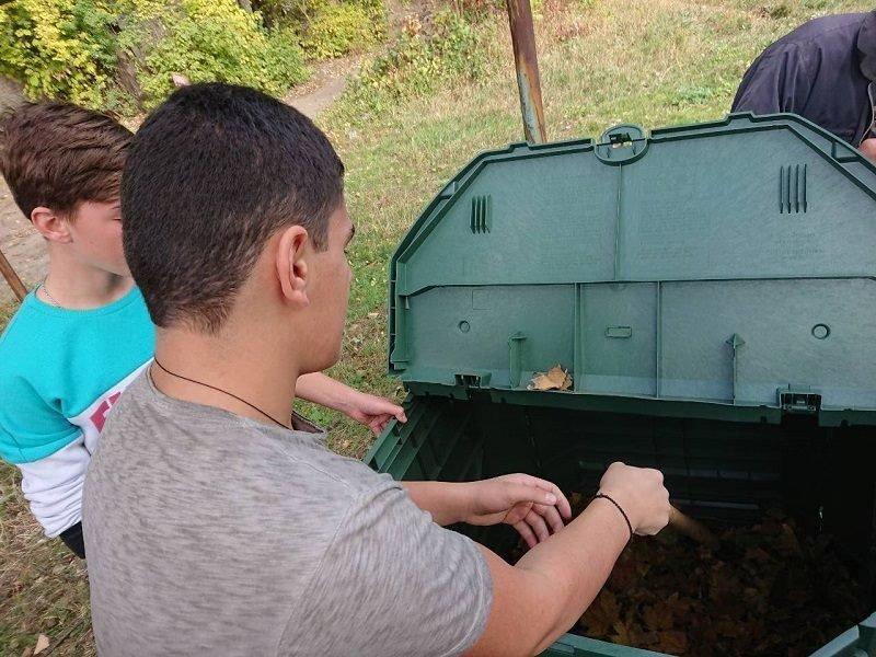 На шкільний ділянці Костянтинівського ліцею встановили компостер, фото-1
