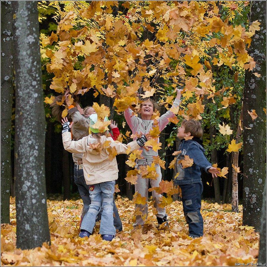 Школьники ушли на осенние каникулы. Что делать работающим родителям, фото-3