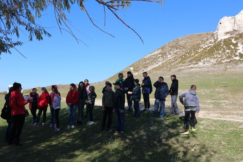 Діти із Костянтинівки провели вихідний день в Білокузьминівці, фото-1
