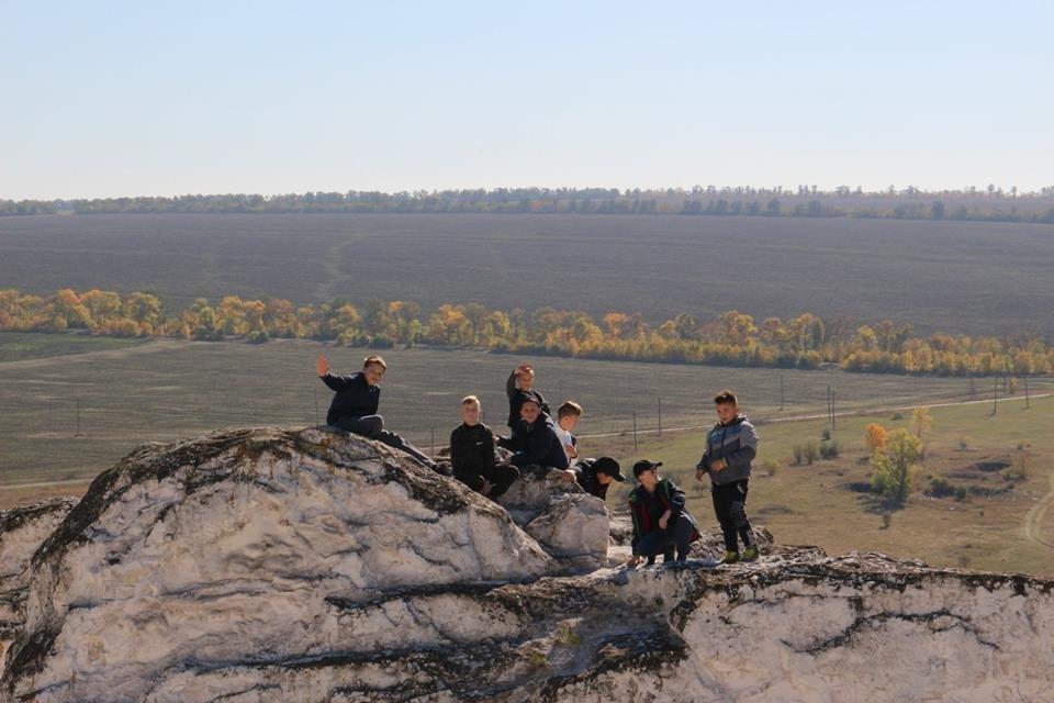Діти із Костянтинівки провели вихідний день в Білокузьминівці, фото-2