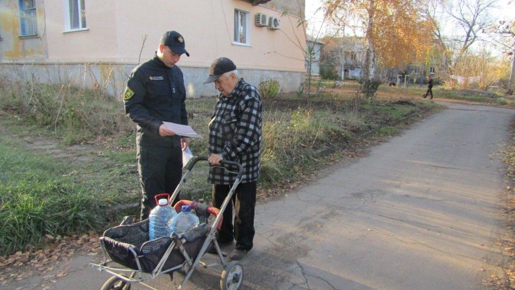 Костянтинівські рятувальники провели бесіди про вибухонебезпечні предмети з дошкільнятами та дорослими, фото-4