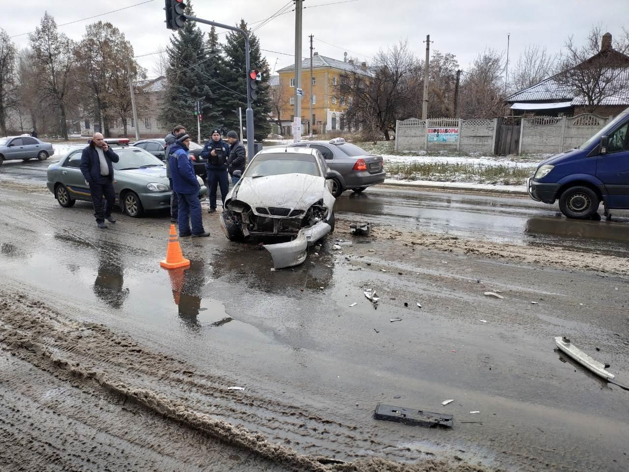 У Костянтинівці сталася ДТП за участю трьох автомобілів, фото-1