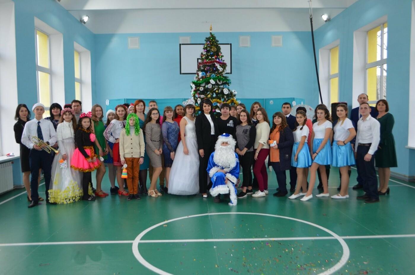 Діти Костянтинівки та району занурилися у Новорічну казку, фото-5