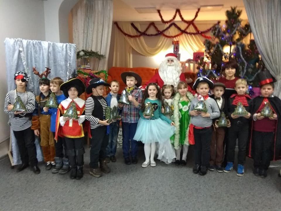 Діти Костянтинівки та району занурилися у Новорічну казку, фото-3