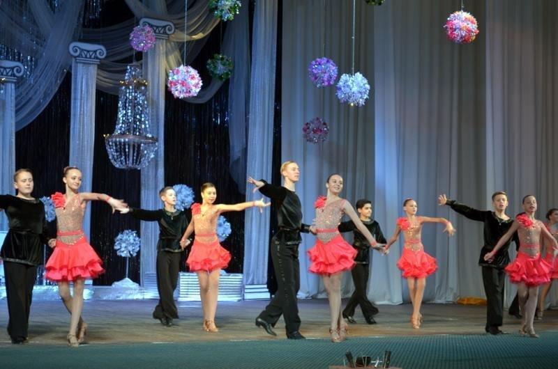 У Костянтинівці відбувся концерт на честь 42-річчя Палацу культури та дозвілля, фото-2