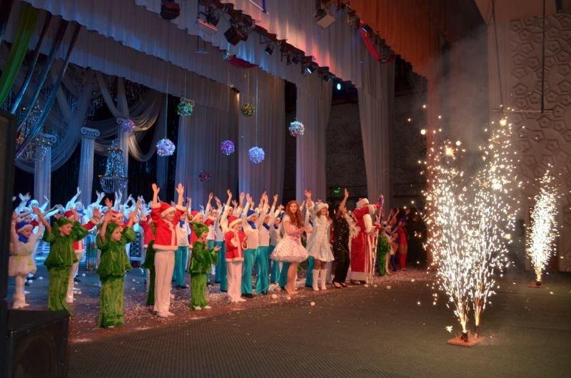 У Костянтинівці відбувся концерт на честь 42-річчя Палацу культури та дозвілля, фото-4