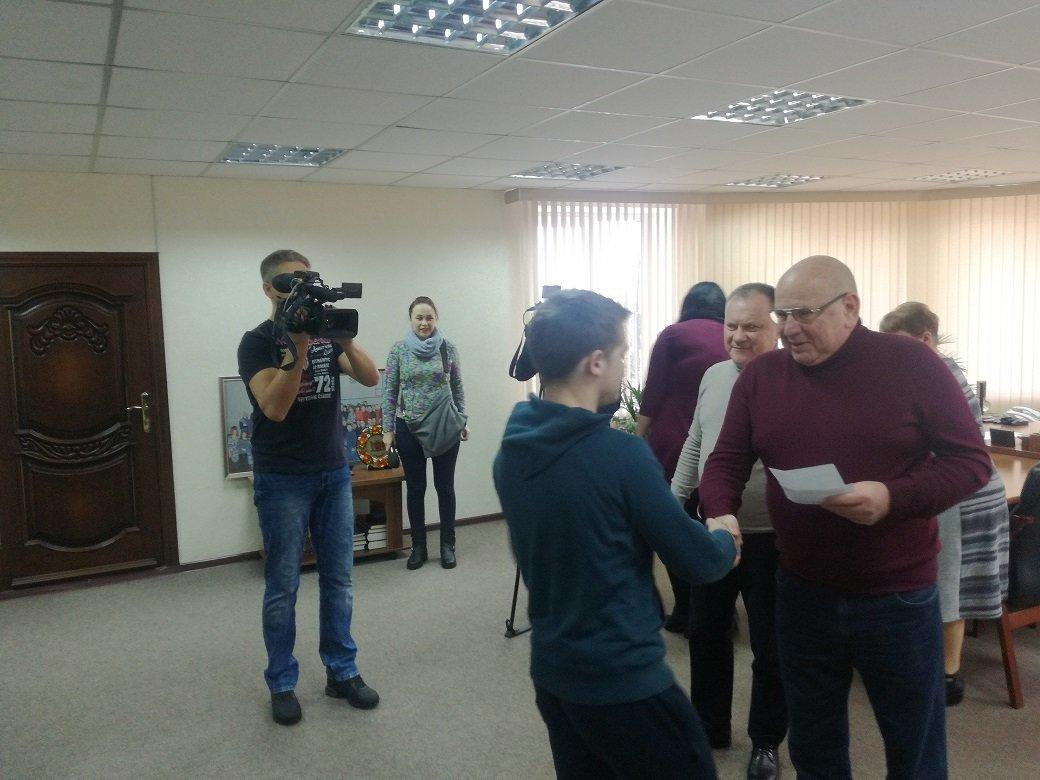 Детям-сиротам из Константиновки вручили ключи от квартир, фото-1