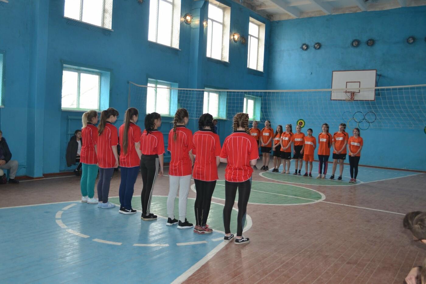 Дівоча баскетбольна команда Марківської школи Костянтинівського району виступатиме в ІІ етапі чемпіонату України, фото-1