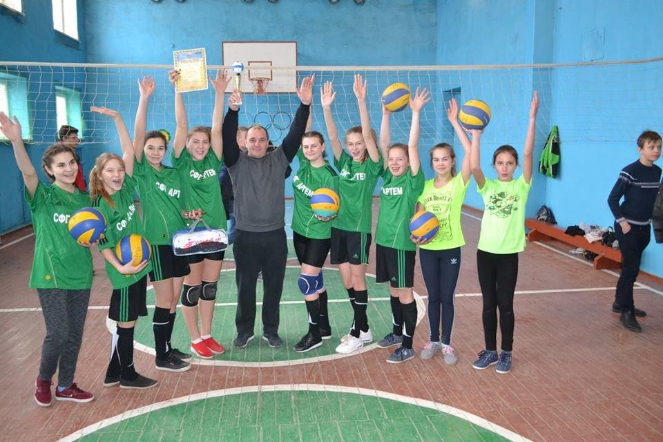 Дівоча баскетбольна команда Марківської школи Костянтинівського району виступатиме в ІІ етапі чемпіонату України, фото-7