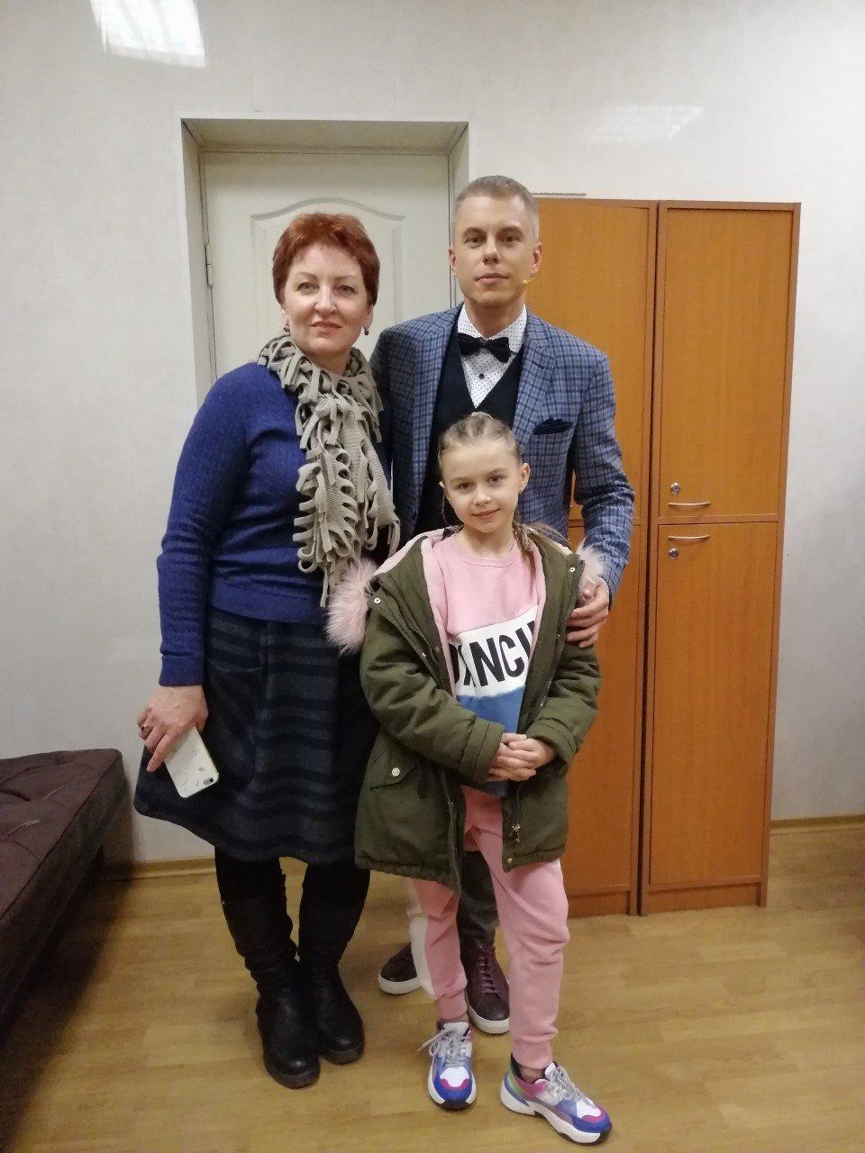 Катя Ларина из Константиновки показала свой талант на шоу «Круче всех», фото-1