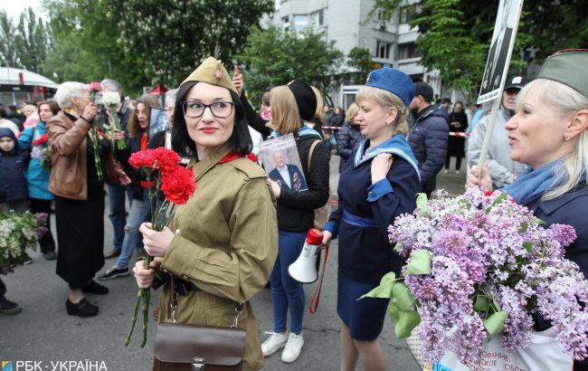 Драки, портрет со Сталиным и слезоточивый газ. Как прошло 9 мая в Украине, фото-1