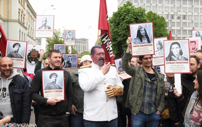Драки, портрет со Сталиным и слезоточивый газ. Как прошло 9 мая в Украине, фото-4