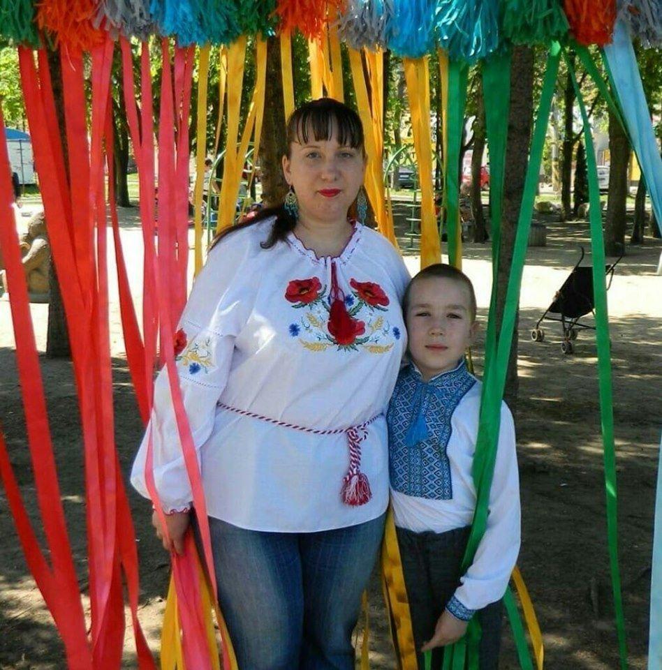 Мешканці Костянтинівки та району вітають з Днем вишиванки (ФОТО), фото-6