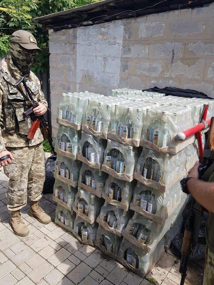 В Костянтинівці та Краматорську вилучили фальсифікований алкоголь на загальну  суму в 10 млн грн, фото-3