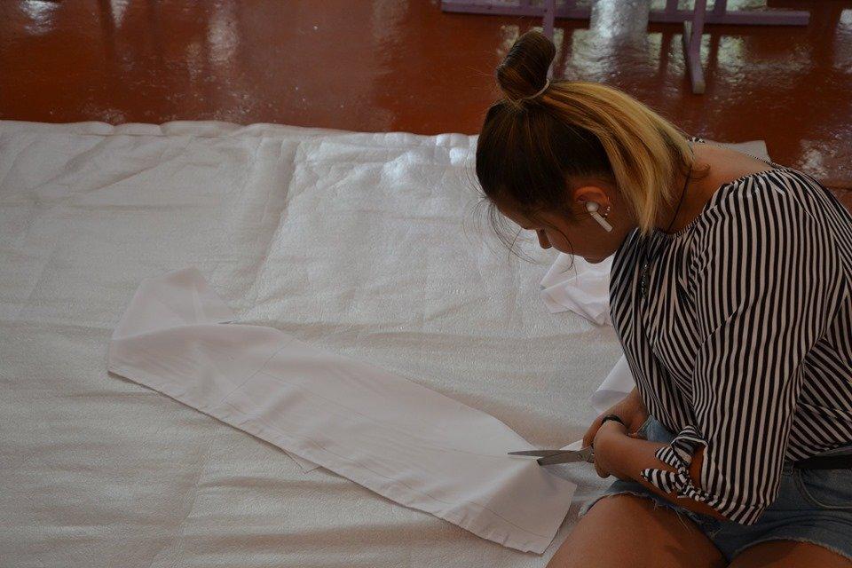 Школярі із села Олександро-Калинове шиють екоторбинки, фото-4