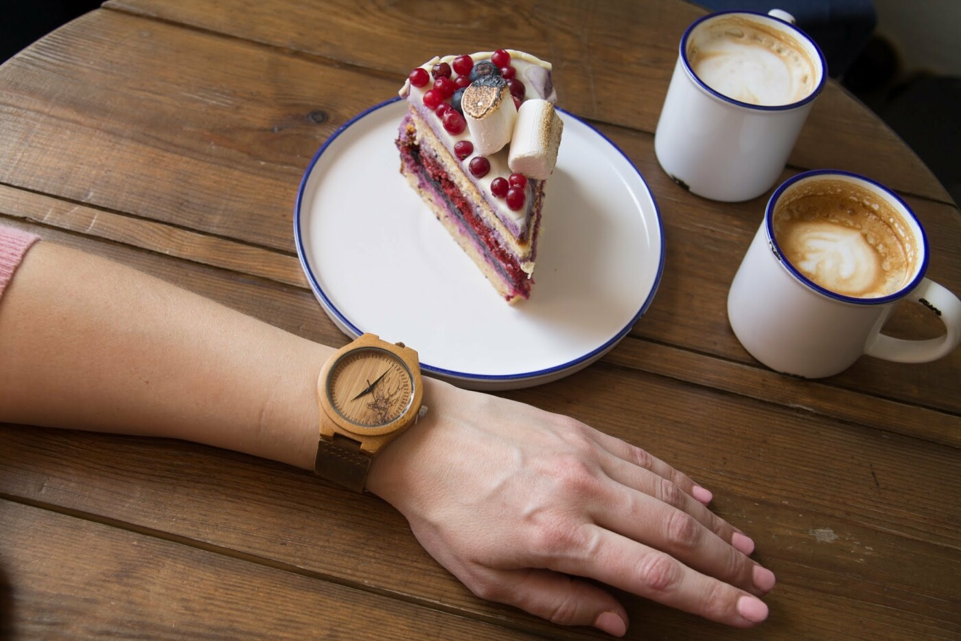 Тренд цієї весни - унікальний годинник з дерева, фото-1