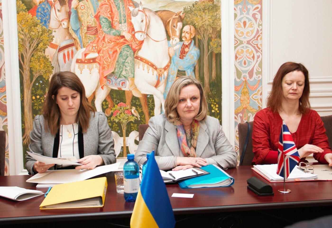 Україна та Британія почали перемовини про безвіз, фото-1